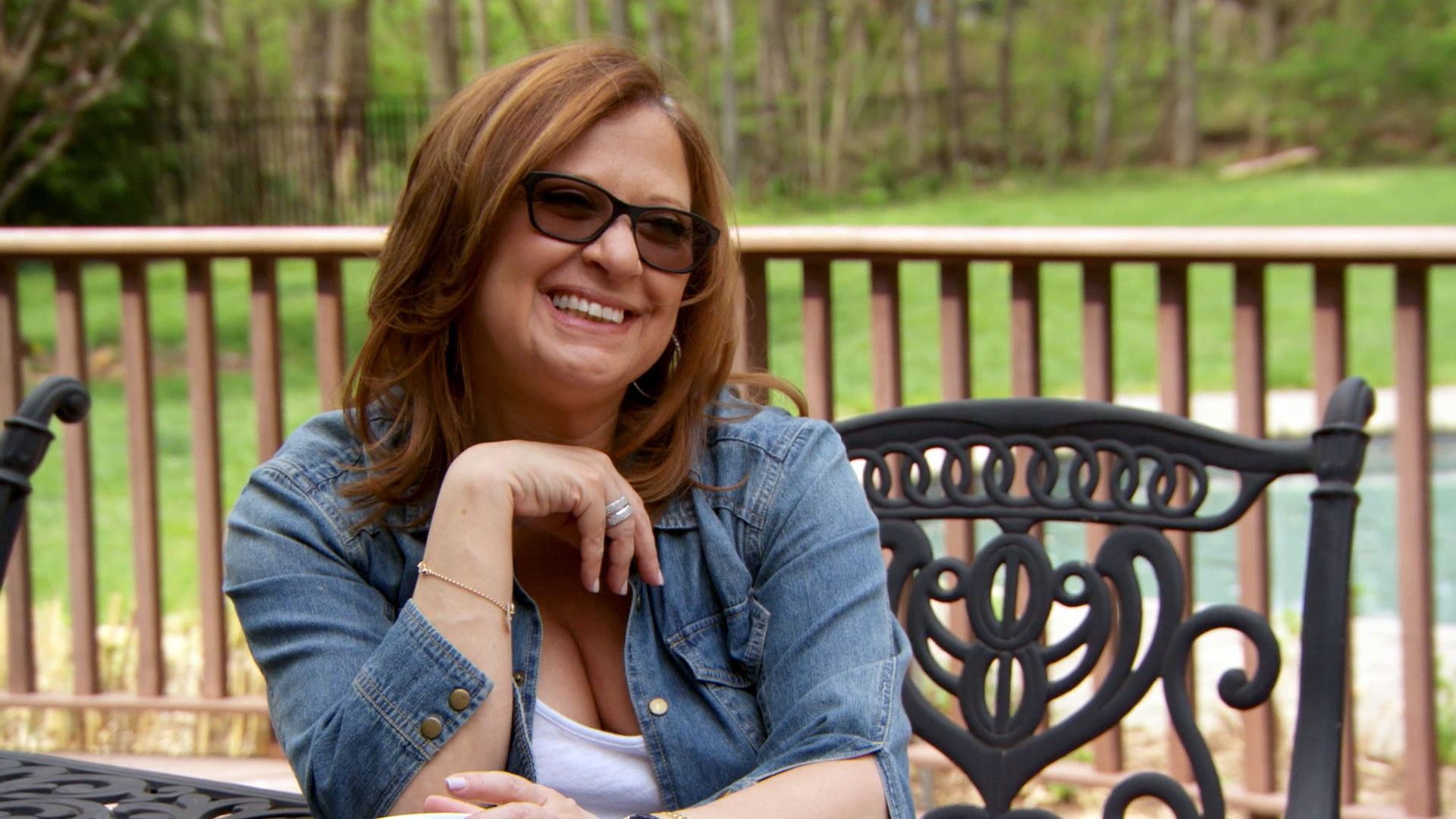 caroline manzo and dina relationship