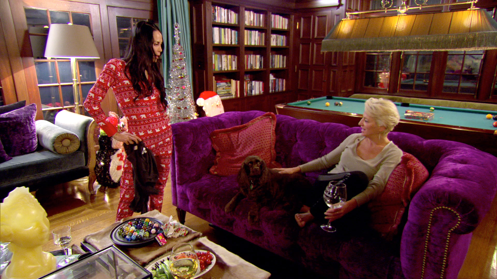 In This Unseen Moment, Jules Wainstein And Dorinda Medley Lean On Each  Other While Everyone Else Continues To Argue.