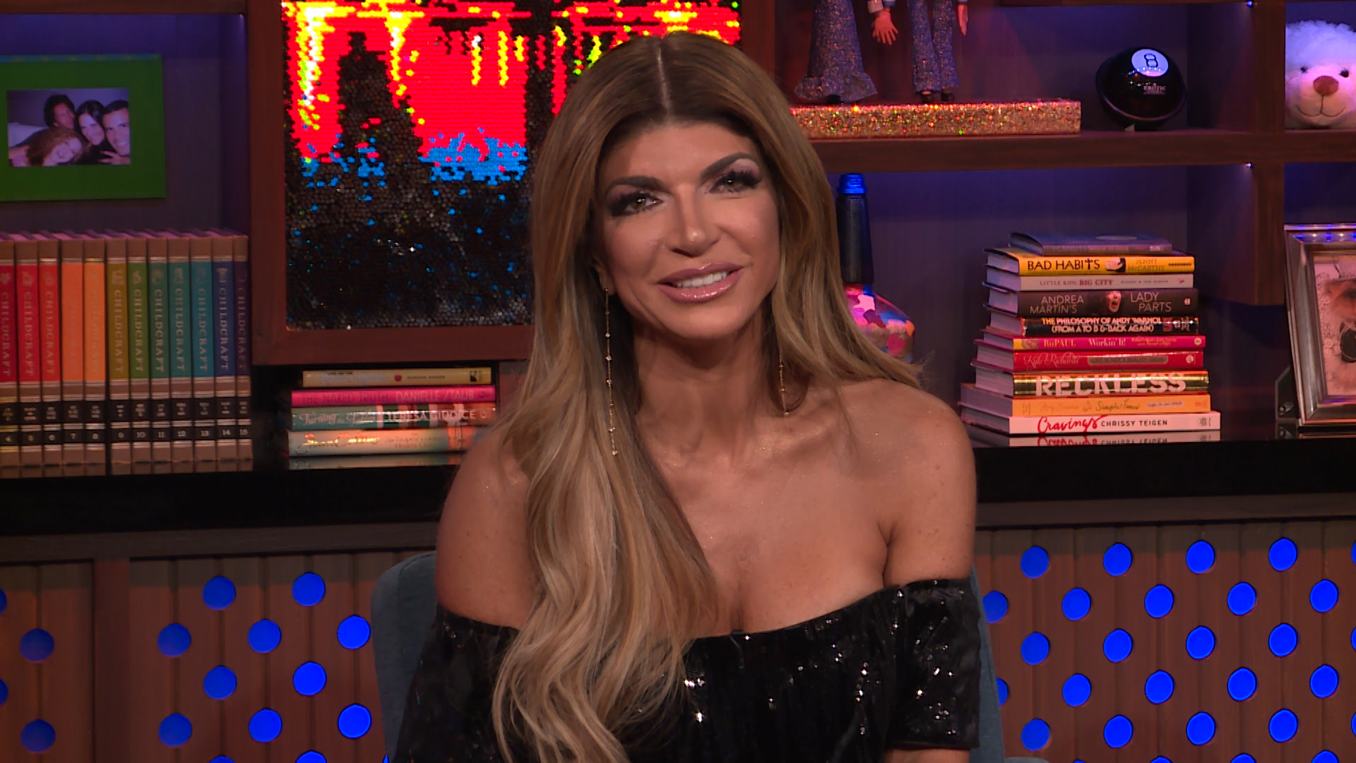 Teresa giudice and dina manzo reunite in los angeles for Where do the real housewives of new jersey live
