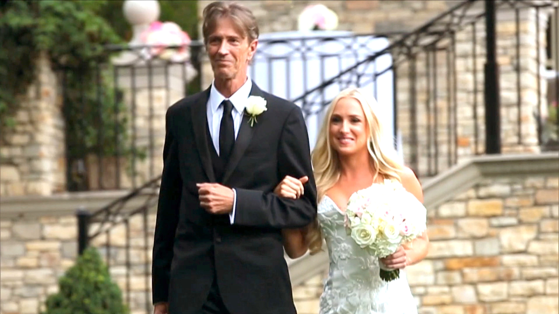 watch kim richards daughter walks down the aisle the